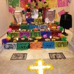 El tradicional #AltardeMuertos en el @congresodurango #DiadeMuertos http://t.co/p7YO7VOokK