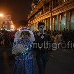 Desfilan las #catrinas en #Xalapa al ritmo de marching band #DíadeMuertos (Rigoberto Suárez) http://t.co/380xyHvckk