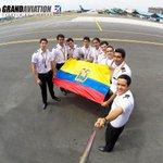 Celebramos el #DíaDelEscudoNacional #Ecuador #patriotismo #Grandaviation #alumnos #Pilotos #Gopro    @AviacionGYE http://t.co/VaImfuU1gr