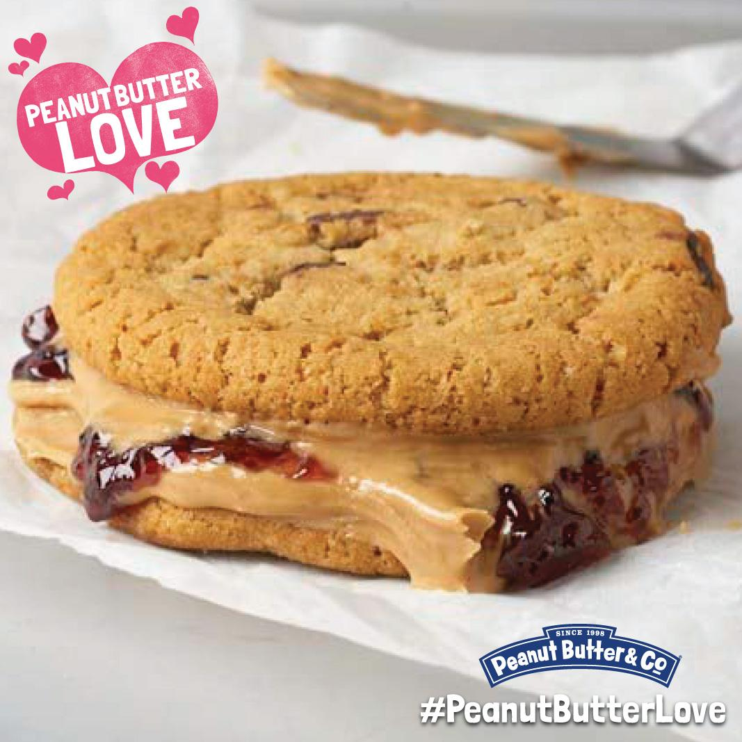All cookies could use a little #PeanutButterLove! RT for a chance to win a peanut butter six pack. http://t.co/uoz6L01KHl