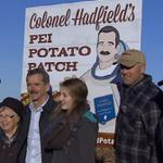 Canadian astronaut @Cmdr_Hadfield visited Linden Lee Farms in Fairview, #pei today where he learned about potatoes. http://t.co/ZWU9kx75uZ