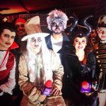 WAJAJA!! #HalloweenChilero 👻 @quechilero @Gaby_Asturias @dani_dosantos @VictorUrrutia_ @florecitacobian @aztecaGuate http://t.co/JXpMBtkfVi