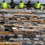 Un coronel y suboficiales capturados por proteger 7 toneladas de coca http://t.co/grPpQdLFuy http://t.co/uintTeFFeY