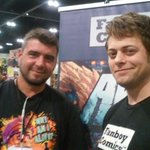@TheArcsComics @mattjacobsart and @ComicBookSlayer are signing at FBC table aa1351 at @StanLeeComikaze! http://t.co/ymAxMz647A