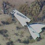 First photo: @virgingalactics #SpaceShipTwo crashes http://t.co/k5JynVMGQ9 http://t.co/NcIr01NXcv