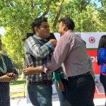 Nuestro dirigente @PanchoFrancoS recibiendo el saludo de @EVillegasV durante la entrega de Propuesta de Obra 2015 http://t.co/3VYz5kF6YC