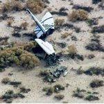 """Das Raumschiff """"Space Ship Two"""" von Virgin Galactic ist über der Mojave-Wüste abgestürzt. http://t.co/b3UtLDwCG3 http://t.co/vPX14DQi8z"""