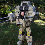 Dad creates life-size MechWarrior costume for himself and his 6-month-old baby. http://t.co/j2NQxrfJ1w http://t.co/hvkig4TOdc