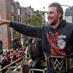 Take it in, @hunterpence. You're a world champion. #SFGParade http://t.co/vTDrCDynH3