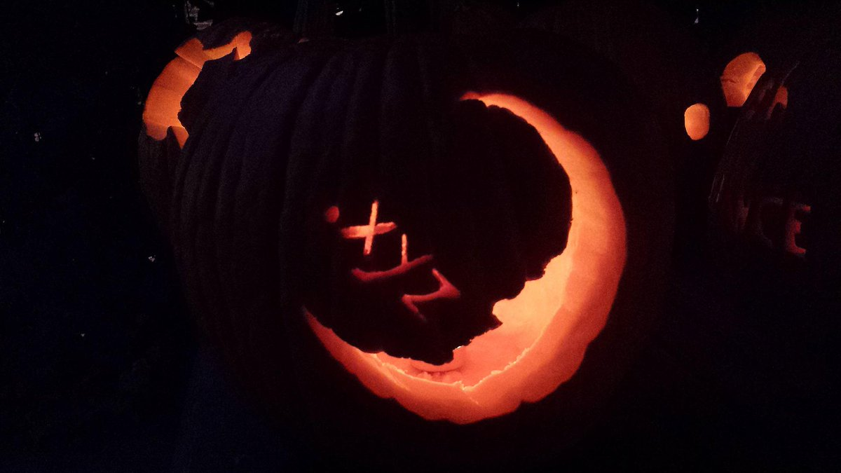 Inspired by @DWAnimation, this moon is whistling sweet nothings to us. RT/Favorite your fav .xyz #pumpkins! @Dynadot http://t.co/kKDchQYwo8