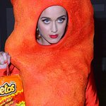 FYI, Katy Perry dressed as a giant Cheeto for Halloween http://t.co/ZXHUuhY53x http://t.co/lre5LXopyC