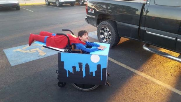 Awesome! RT @jackschofield: Kid in wheelchair wins Halloween (from http://t.co/rxrvQszZr9) Emanuel Maya II, aged 3 http://t.co/9xyU28Eh6J