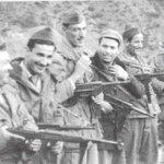 #غرد_بصورة_عن_الثورة_الجزائرية مجموعة من الابطال ابان الثورة #الجزائر #أول_نوفمبر_1954 http://t.co/QJjIbYAqol
