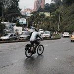Bien por @CarlosMarioMont. Aunque ya no es director del @Areametropol, sigue dedicado a la bici. ¡Así es la cosa! http://t.co/kwcyKOXbAa