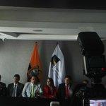 C. Constitucional falla que 16 de las 17 propuestas de reforma a Constitución se tramiten vía enmienda @elcomerciocom http://t.co/kB48wJA9u2