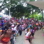 Alegría y recreación viven todos los niños en su celebración en el teatrino de la ronda del Sinú http://t.co/T0n9o9XAg6