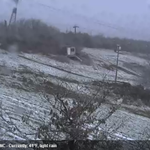 SNOW IN NORTH CAROLINA! Check out the slopeside webcam from Beech Mountain. http://t.co/kAmGak9KjE http://t.co/7E5dOrthAx