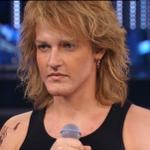 Valerio Scanu in versione BONO Jovi. #ScanuBonJovi #TaleEQualeShow http://t.co/qNdENYtFS8