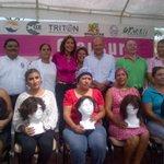 En la Lucha por un Carmen sin Cáncer, el día de hoy entregamos 11 pelucas oncológicas. http://t.co/aT7aervbF9
