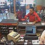 El rostro del asaltante del banco Santander d Plan de Ayala #Morelos http://t.co/x557NKR7Lq