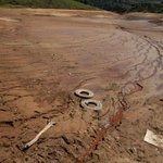 """Fodeu, galera """"@Estadao: SP: Cantareira tem o mês mais seco desde 1930: http://t.co/GbyYVviUMq http://t.co/ZtoK7fDU7f"""""""