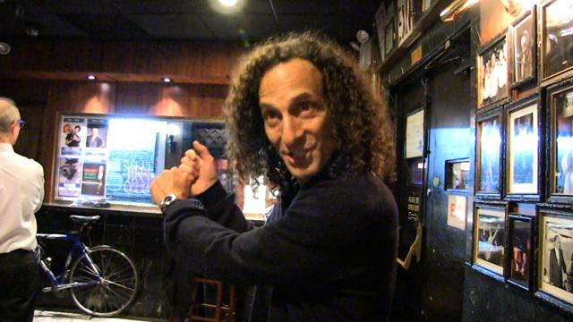 WATCH: Kenny G says Bill Clinton CUSSES when he golfs