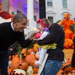 President Obama greets trick-or-treaters at the White House. http://t.co/CfwMbUKq3u