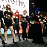 Wow! A lot of amazing stuff at @StanLeeComikaze #geekfashionshow! @CastleCorsetry #fashion #style http://t.co/x6UpW2LkNR