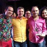 El Alcalde @CarlosECorreaE hace entrega de una mención especial a la agrupación AguaEYuyo merecido reconocimiento. http://t.co/KmkbLcdFUR