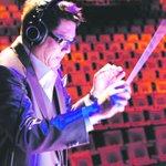 Singapore musician Iskandar Ismail dies of lung and brain cancer http://t.co/gf6pgAIfix http://t.co/zEYSXFD9wp