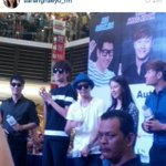[PIC] 141101 The 5 members at Paradigm Mall for Autograph Session #RaceStartMY (cr. As shown) http://t.co/Bi2yahRA5p
