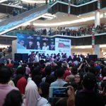 Running Man Autograph Session in Paradigm Mall. #RaceStartMY http://t.co/d9jrdt3fuX