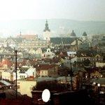 Там навіть небо є якесь занадто чисте. Я закохалась в тебе, місто #Львів… http://t.co/QhExzKbYvs