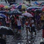 Manila North Cemetery entrance gets flooded. (Photo via @zhandercayabyab) http://t.co/KVdTeHoDkV