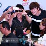 Running Man Betrayal Trio Wefie in Malaysia ! #RunningMan #RunningManInMy #RaceStartMY #JiSukJin #Haha #LeeKwangSoo http://t.co/Nev9n7q0Wr