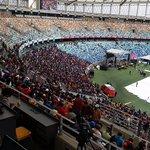 A few thousands have already arrived at Mosed Mabhida Stadium ahead of slain Senzo Meyiwa funeral @dailysunsa http://t.co/cfORvdSN0O