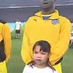 @Dicksonnwakaeme, warga asing, hormat lagu Negaraku. cc @Khairykj #PialaMalaysia #BangkitBersama http://t.co/7L8xac57V0
