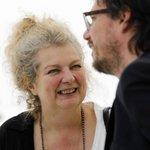 Schilderes Marlene Dumas is uitgeroepen tot Kunstenaar van het jaar 2015 http://t.co/2IzIUU3pVn http://t.co/CYNfwUHbS0