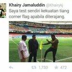 Bangsa Johor tgk KJ ni. Jom kite jatuhkan hukum dekat beliau. Hukum bodoh, hukum bangang atau hukum pancung kepala? http://t.co/xbjCZcrkBR