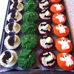 Spooky costume not yet at the dry cleaners? Let the Halloween fun continue with our cupcakes in-store all weekend! http://t.co/ZkMVp8t0JW