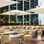 It's rooftop-dining season in #Dubai & .@40Kong is one sleek contender. http://t.co/6wKpdapM4N