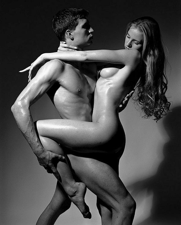 Обнаженные Мужчина И Женщина