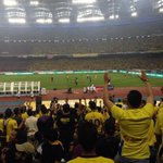 Pahang players gave away Pahang jerseys to the fans. #MalaysiaCupFinal http://t.co/UoTWfD9kSR