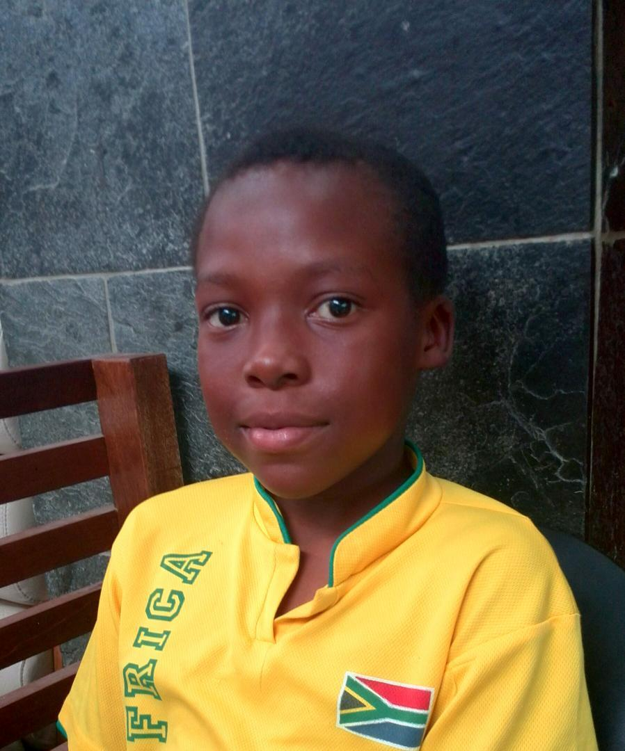 12yr old Lethabo Malema still missing. Last seen around Mofolo & White City Soweto wearing a stripped navy t-shirt. http://t.co/qRpEBVTYeR