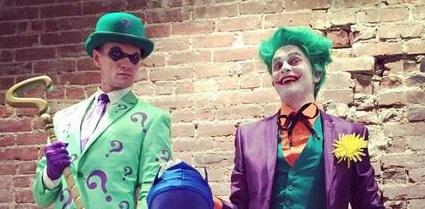 Neil Patrick Harris, David Burtka & their twins win Best Halloween Family Photo AGAIN!