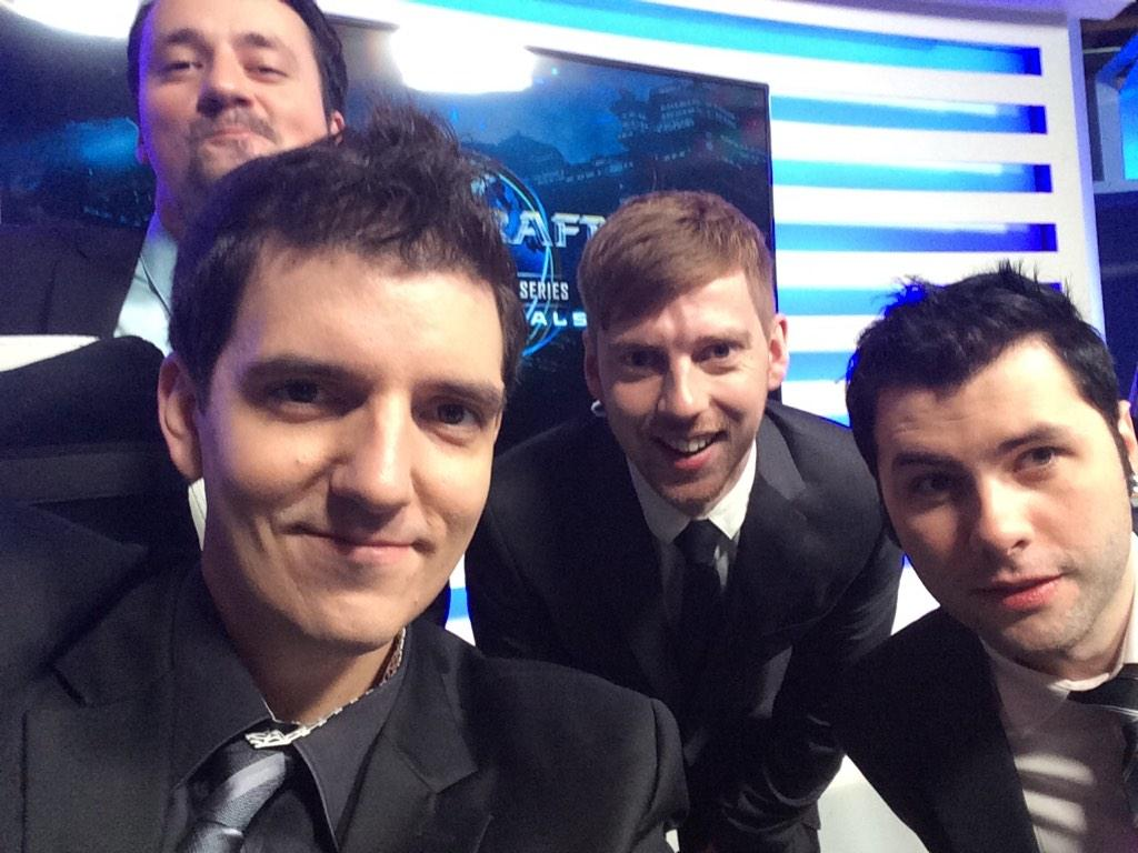 Time to start the #WCS Global Finals ro16! http://t.co/ZOrTXd7ILa - RT pls! http://t.co/dCgFRIaCRu