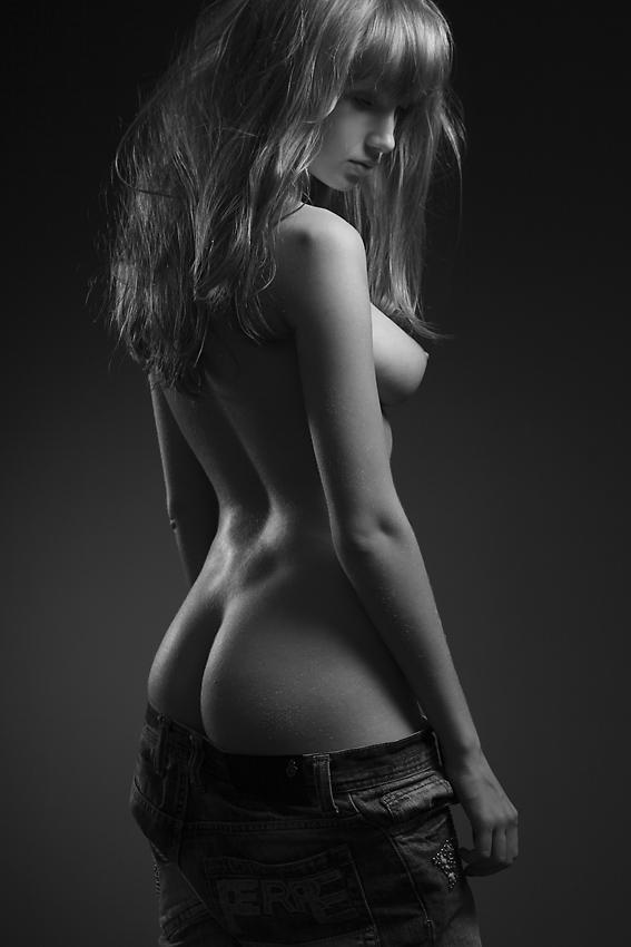 #SaturdaySensual @lsucrerie @R_sidney_V @mariogarser @Squirtonme69 @mutilma @erotic_pic http://t.co/qqvaQKmdfL