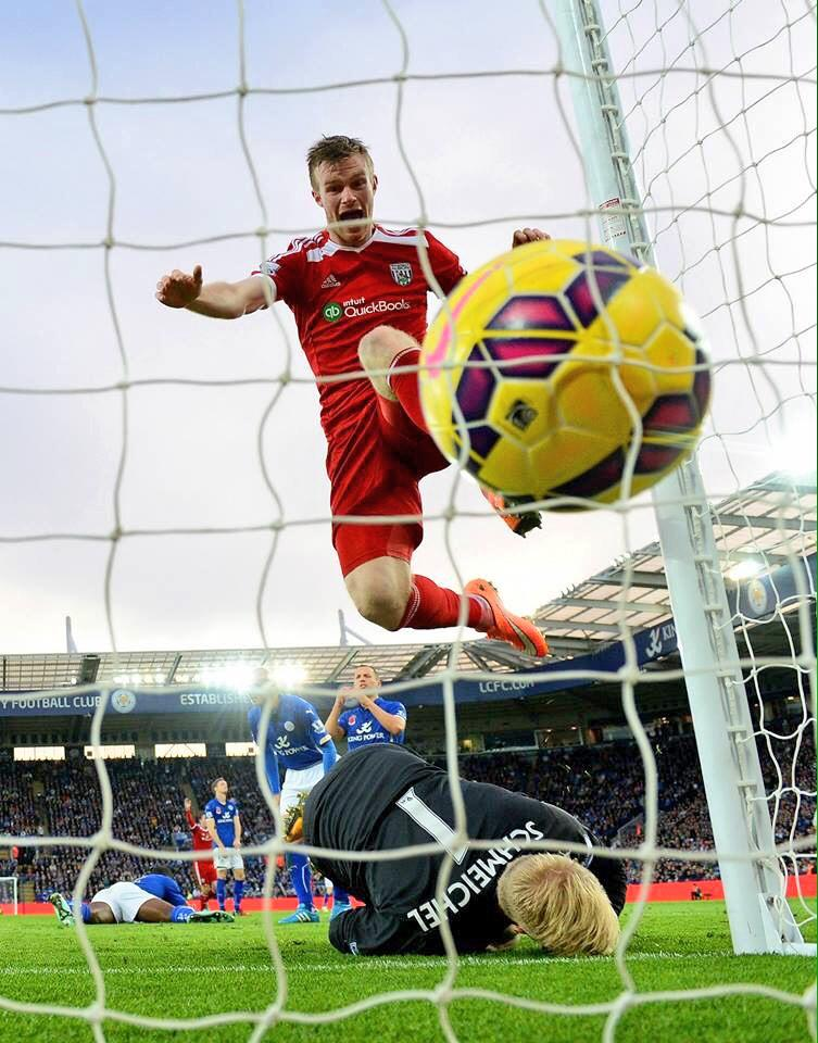 Awesome football pic RT @beewestwood: What a great photo @WBAFCofficial via @SkySports http://t.co/E7DhlnDKNj