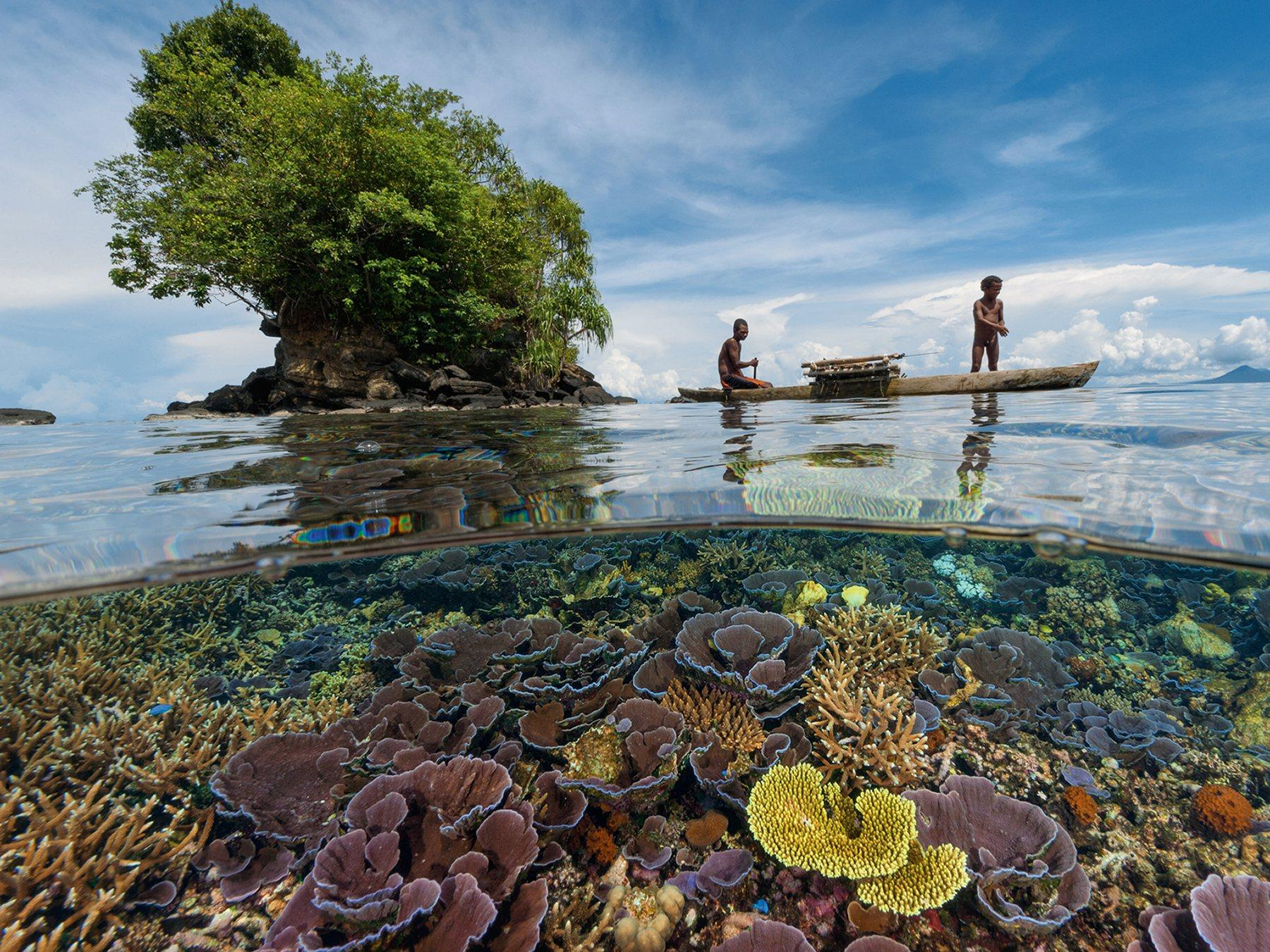 Crystal clear water of papa New Guinea: http://t.co/LgqycT0ypX