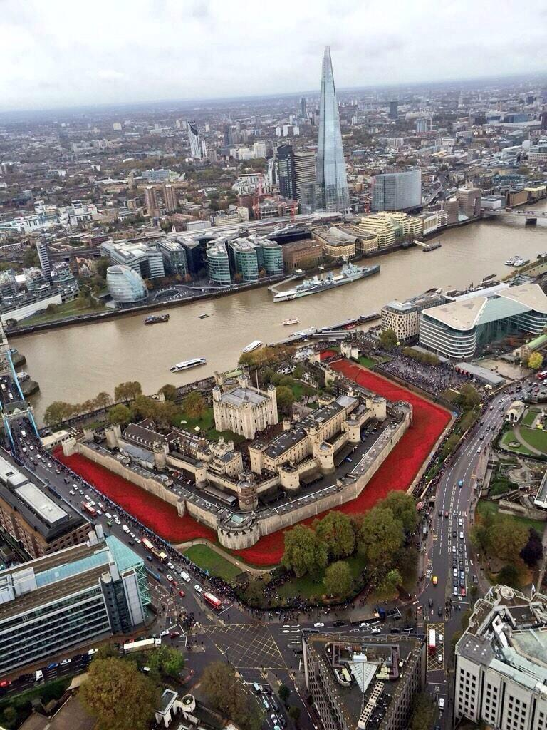 From the air the Tower of London moat looks as if it's full of the blood of 888,245 lost souls. RIP. http://t.co/O9nMhYYVxW